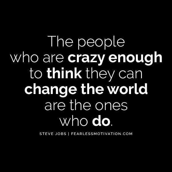 Howard Schultz L'autostima ti renderà un miliardario Le persone che sono abbastanza pazze da pensare di poter cambiare il mondo sono quelle che lo fanno.  Steve Jobs cita citazioni apple bill gates milionario miliardario affari soldi contanti moneta successo soldi cassaforte caveau banca banca mercato azionario prezzo delle azioni